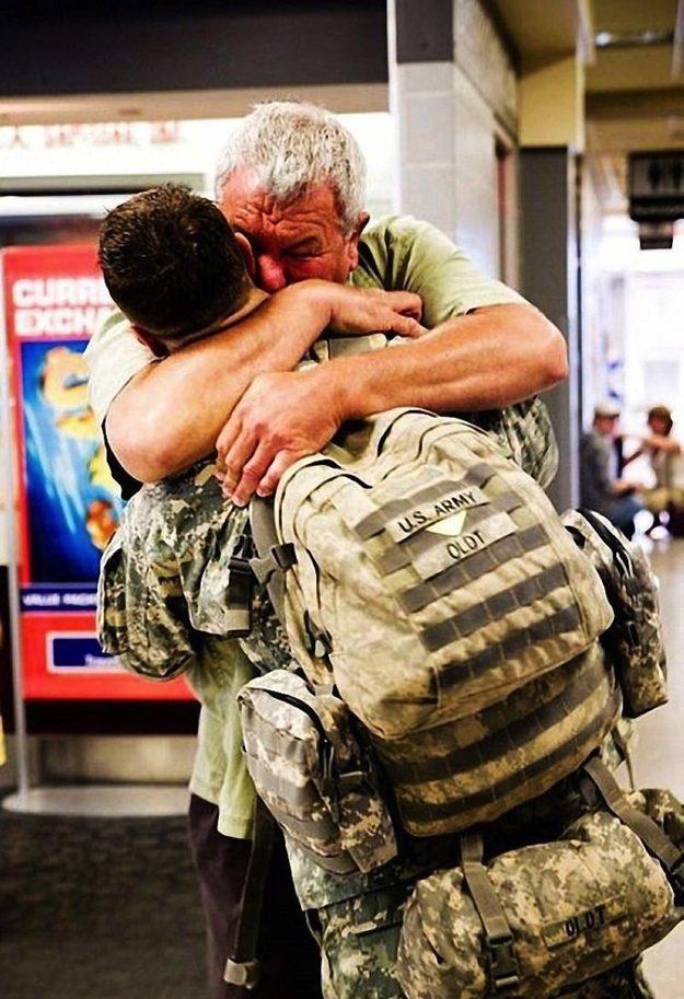 O Especialista Dean Oldt, um atirador de elite da Centésima Primeira Divisão Aérea, se reencontra com o seu pai.