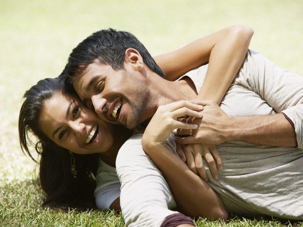 Love Happy couple 027948