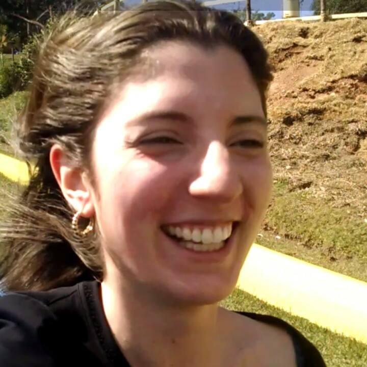 Stephanie Gomes