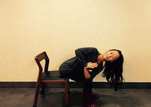 4 poses yoga para postura perfeita se você fica3