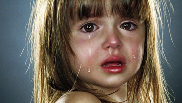 psicologia-infantil-nunca-mande-uma-crianca-engolir-o-choro-capa-e-foto-01