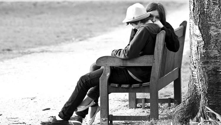 Amar e confiar não são sinais de fraqueza. São sinais de coragem