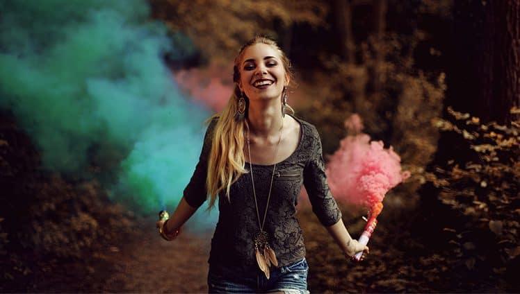 """""""Ser feliz é simples O difícil é ser tão simples assim...""""."""