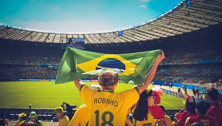 O brasileiro chamado de povo apaixonado sofre do inconformismo agudo. 2