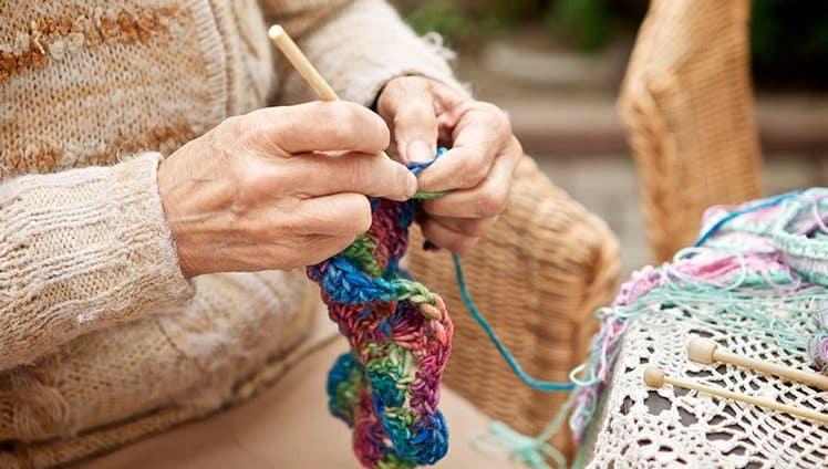 Envelhecer tricotando