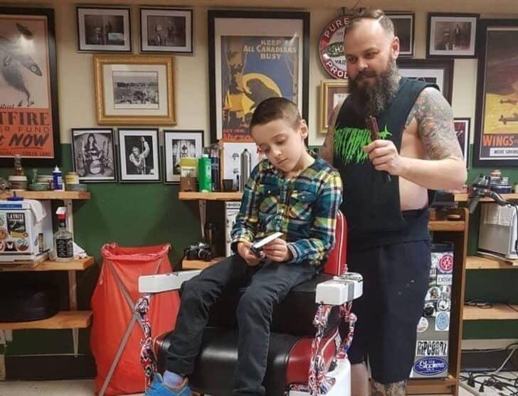 cabeleireiro atendeu criança 2