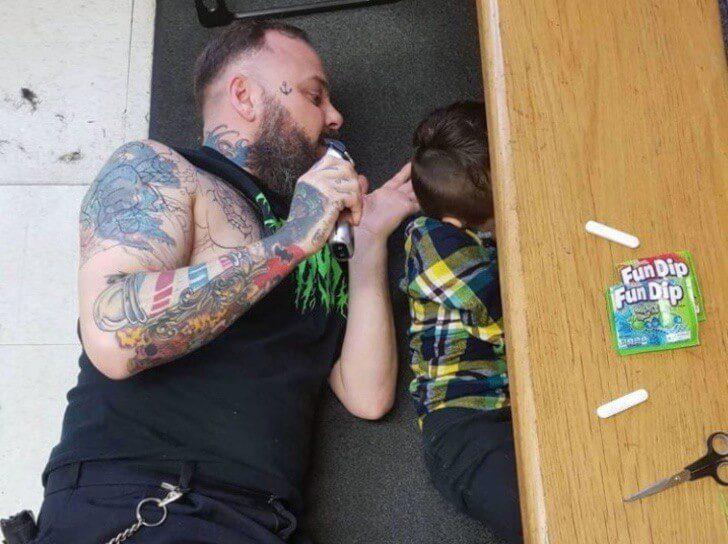 cabeleireiro atendeu criança 3