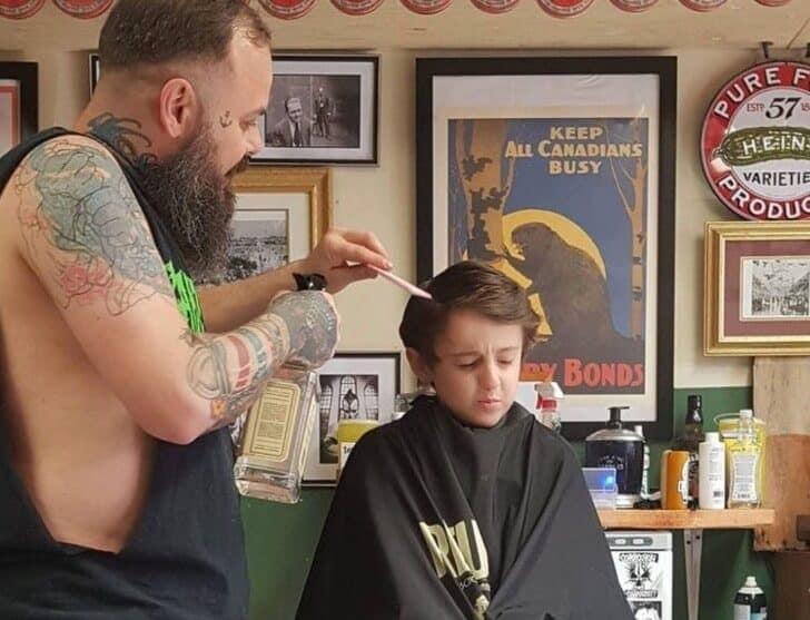 cabeleireiro atendeu criança 4