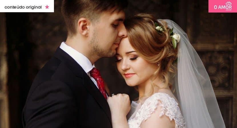 Amar é unir dois corações em um só é buscar fazer o outro feliz dia após dia