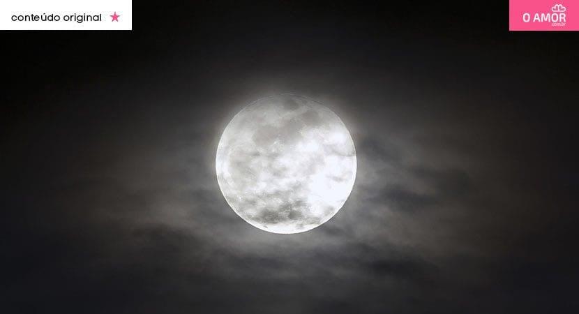 Lua cheia do dia 3 de agosto tempo de evoluir e abandonar os fardos