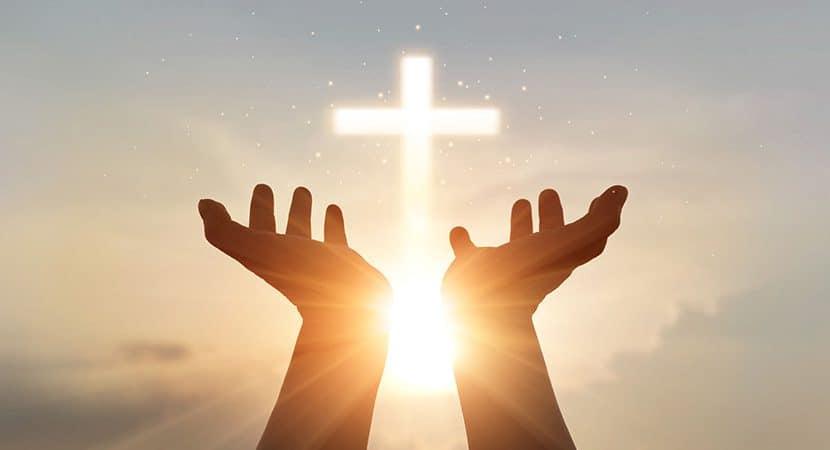 Deus me disse Estou contigo sempre protejo teus instantes de silencio e solidao