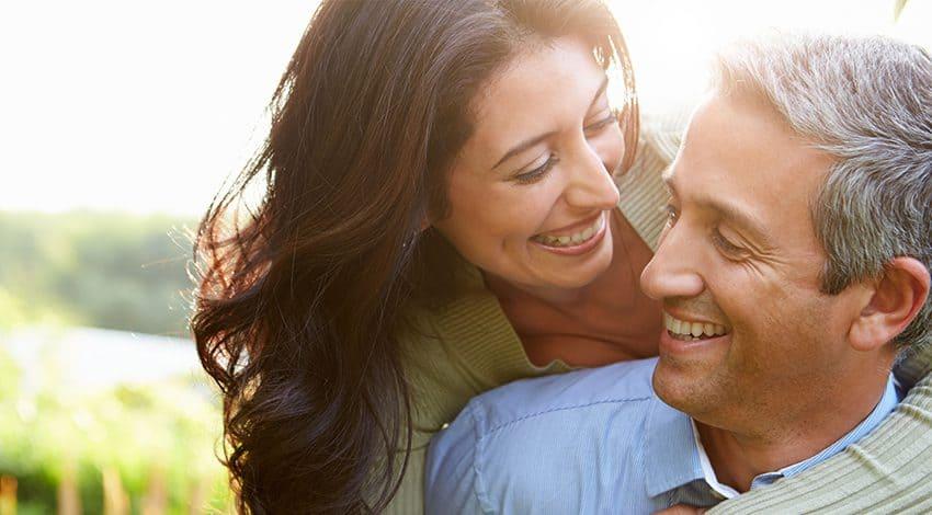Homens que so se relacionam com mulheres MUITO mais novas