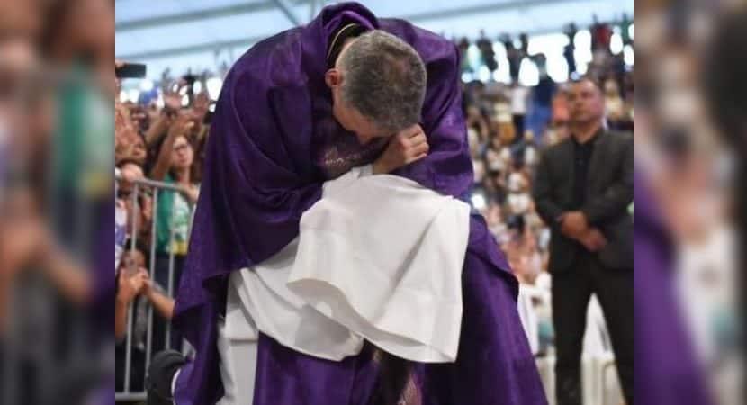 onde Deus coloca a mao nenhuma maldade coloca o pe Padre Marcelo Rossi