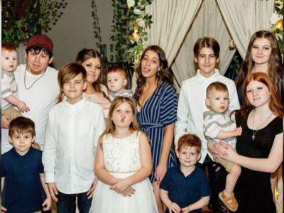 Capa Mae de 12 filhos diz estar farta de criticas por causa das criancas terem 3 pais diferentes
