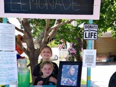 5 Capa Garotas honram irma falecida e montam barraca de limonada para conscientizar a doacao de orgaos