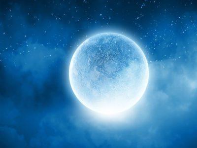 lua Azul em 2208 momento magico que abrira as portas para a prosperidade e liberdade emocional