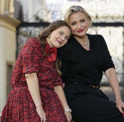 1 4 Drew Barrymore e Cameron Diaz exibem beleza natural e sao muito elogiadas na web