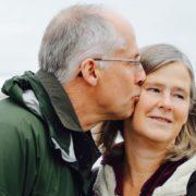 os 4 motivos que fazem as mulheres preferir os homens mais velhos no amor